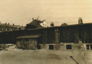 Bis zum Bau des Pfarrheimes Herz Jesu 1966 hielt man die Gruppenstunden im Keller einer Baracke ab